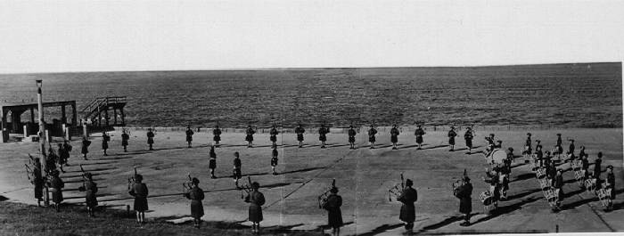 5th Camerons pipes and drums Beat Rtreat, Cuxaven 1945
