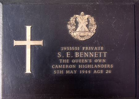 2933531 Private S. E. Bennett, 1st battalion Queens Own Cameron Highlanders, 5th May 1944, age 26