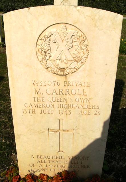Headstone of 2933076 Private M. Carroll. Queens Own Cameron Highlanders