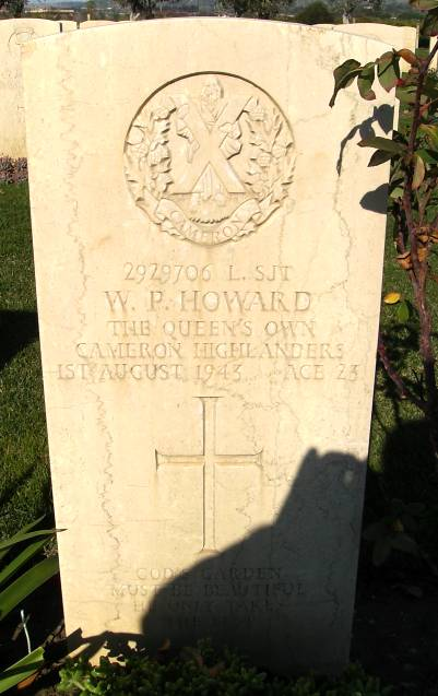 Headstone of 2929706 L/Sgt. W. P. Howard. Queens Own Cameron Highlanders