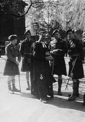 5th Camerons officers with battalion padre