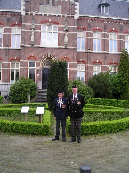 George Sands and Richard Massey, Beekvliet.