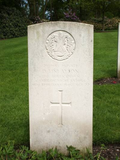 Headstone of Private D. Finlayson