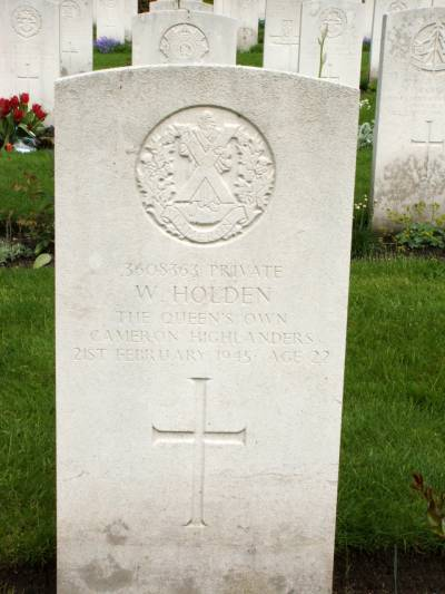 Headstone of Private W. Holden