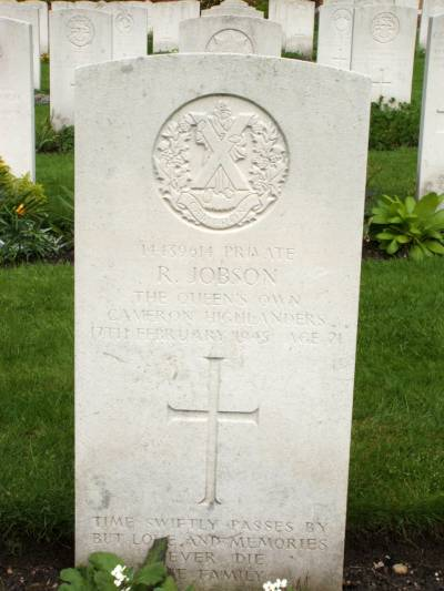 Headstone of Private R. Jobson