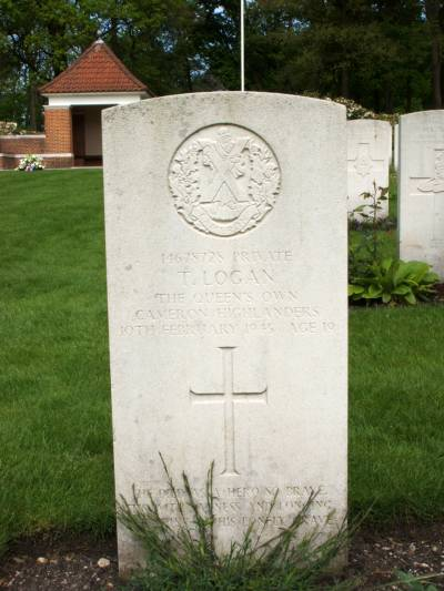 Headstone of Private T. Logan