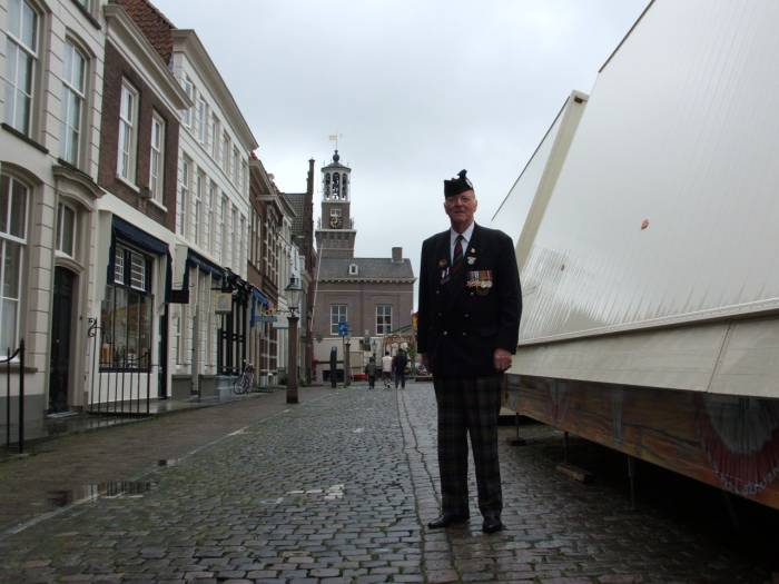 Richard Massey, Heusden Holland 2005, Town hall in background