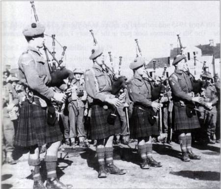 Cameron Pipers St Valery en Caux, September 1944