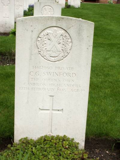 Headstone of Private C.G. Swinford