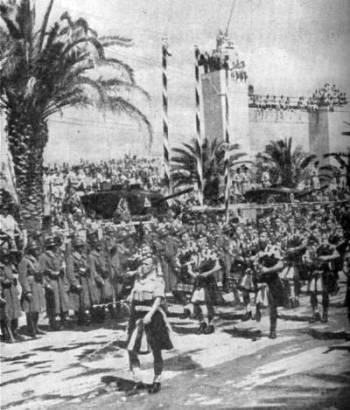 51st Highland Division Pipers lead theTunis victory parade